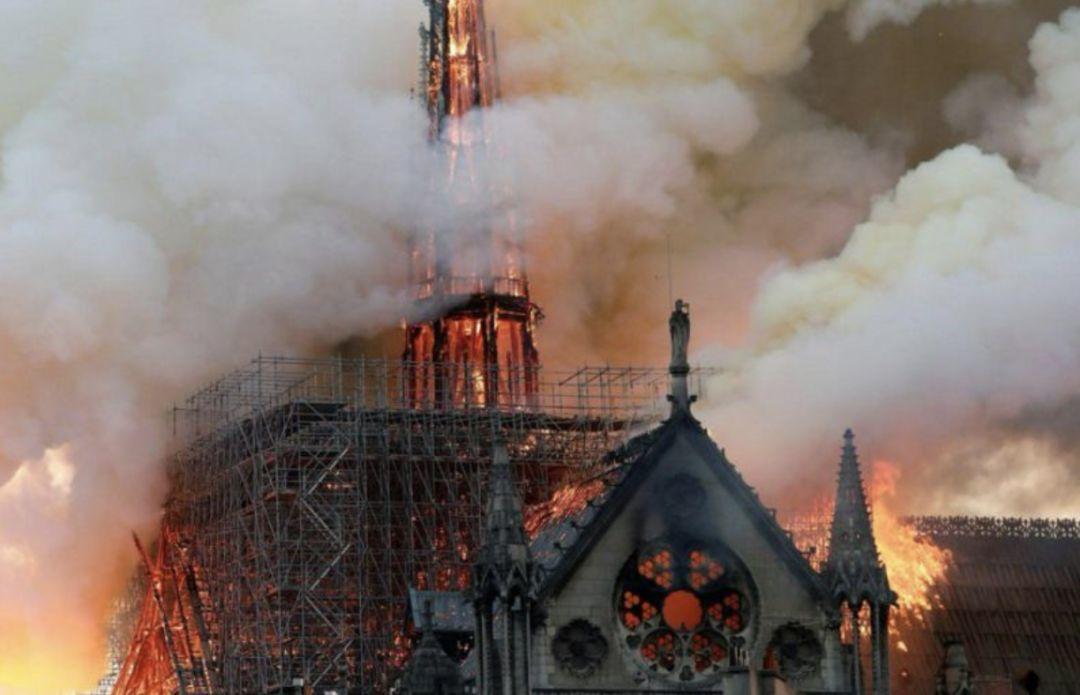 巴黎不哭!十亿数据精准扫描,帮卡西莫多重新找回他的玫瑰花窗